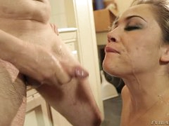 Kristina Rose acquires her face plastered with warm cum